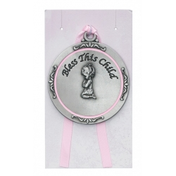 GIRL CRIB MEDAL/CARDED